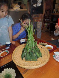 6月の定番!小学生の食育教室で出雲の粽(笹巻き)作り
