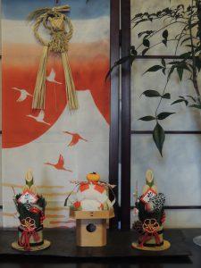 伊達巻を作り正月飾りと前後の行事を学ぶ、小学生の食育教室