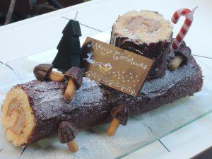 薪の形のクリスマスケーキ・ブッシュドノエルの子供料理教室